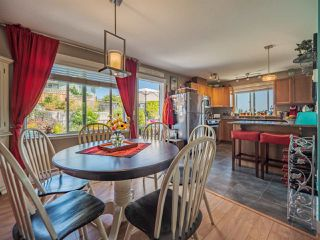Main Photo: 6403 TOWER Road in Sechelt: Sechelt District House for sale (Sunshine Coast)  : MLS®# R2395614