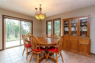 Photo 10: 3883 Graceland Drive in VICTORIA: Me Albert Head Single Family Detached for sale (Metchosin)  : MLS®# 423225