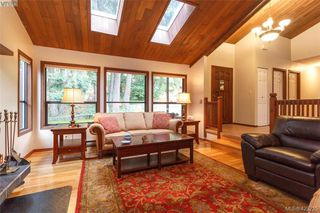 Photo 7: 3883 Graceland Drive in VICTORIA: Me Albert Head Single Family Detached for sale (Metchosin)  : MLS®# 423225