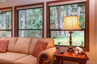 Photo 9: 3883 Graceland Drive in VICTORIA: Me Albert Head Single Family Detached for sale (Metchosin)  : MLS®# 423225