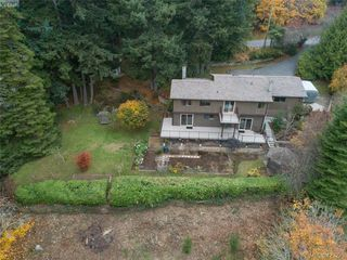 Photo 4: 3883 Graceland Drive in VICTORIA: Me Albert Head Single Family Detached for sale (Metchosin)  : MLS®# 423225