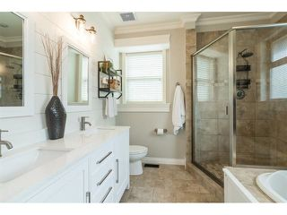 """Photo 12: 9408 207 Street in Langley: Walnut Grove House for sale in """"Shaughnessy Woods - Central Walnut Grove"""" : MLS®# R2475540"""