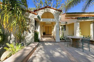 Photo 3: MOUNT HELIX House for sale : 5 bedrooms : 1682 Kimberly Woods Dr in El Cajon