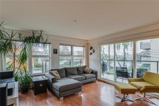 Photo 4: 302 2940 Harriet Rd in : SW Gorge Condo for sale (Saanich West)  : MLS®# 859049