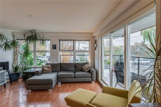 Photo 5: 302 2940 Harriet Rd in : SW Gorge Condo for sale (Saanich West)  : MLS®# 859049
