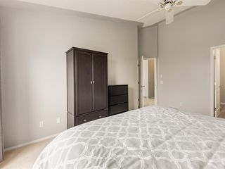 Photo 18: 316 Sierra Morena Green SW in Calgary: Signal Hill Row/Townhouse for sale : MLS®# A1047765