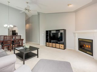 Photo 14: 316 Sierra Morena Green SW in Calgary: Signal Hill Row/Townhouse for sale : MLS®# A1047765