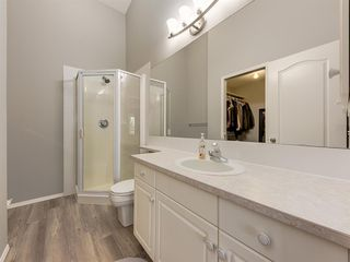 Photo 19: 316 Sierra Morena Green SW in Calgary: Signal Hill Row/Townhouse for sale : MLS®# A1047765