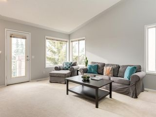 Photo 13: 316 Sierra Morena Green SW in Calgary: Signal Hill Row/Townhouse for sale : MLS®# A1047765