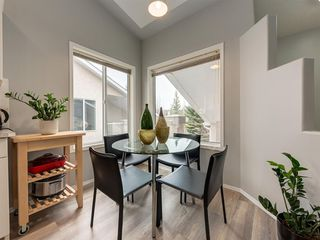 Photo 3: 316 Sierra Morena Green SW in Calgary: Signal Hill Row/Townhouse for sale : MLS®# A1047765