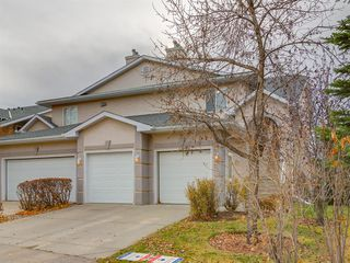 Photo 33: 316 Sierra Morena Green SW in Calgary: Signal Hill Row/Townhouse for sale : MLS®# A1047765