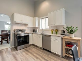 Photo 5: 316 Sierra Morena Green SW in Calgary: Signal Hill Row/Townhouse for sale : MLS®# A1047765