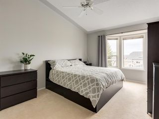 Photo 16: 316 Sierra Morena Green SW in Calgary: Signal Hill Row/Townhouse for sale : MLS®# A1047765