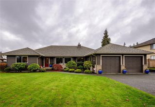 Photo 1: 425 Country Aire Dr in : CR Willow Point House for sale (Campbell River)  : MLS®# 860004