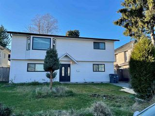 Photo 1: 7727 127 Street in Surrey: West Newton House for sale : MLS®# R2526710