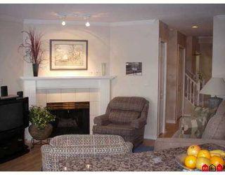 "Photo 4: 15860 82ND Ave in Surrey: Fleetwood Tynehead Townhouse for sale in ""Oak Tree"" : MLS®# F2700735"