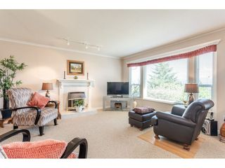 "Photo 6: 2316 MOUNTAIN Drive in Abbotsford: Abbotsford East House for sale in ""MOUNTAIN VILLAGE"" : MLS®# R2388471"