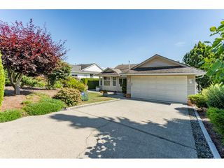 "Photo 1: 2316 MOUNTAIN Drive in Abbotsford: Abbotsford East House for sale in ""MOUNTAIN VILLAGE"" : MLS®# R2388471"