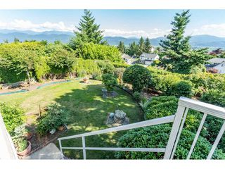 "Photo 18: 2316 MOUNTAIN Drive in Abbotsford: Abbotsford East House for sale in ""MOUNTAIN VILLAGE"" : MLS®# R2388471"