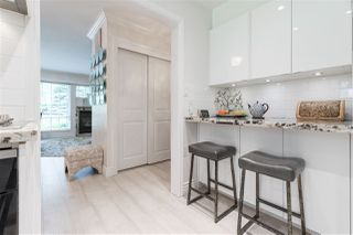 Photo 3: 66 MORVEN Drive in West Vancouver: Glenmore Townhouse for sale : MLS®# R2403500