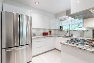 Photo 1: 66 MORVEN Drive in West Vancouver: Glenmore Townhouse for sale : MLS®# R2403500