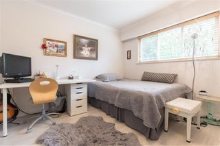 Photo 9: 66 MORVEN Drive in West Vancouver: Glenmore Townhouse for sale : MLS®# R2403500