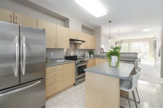 "Photo 9: 61 15 FOREST PARK Way in Port Moody: Heritage Woods PM Townhouse for sale in ""DISCOVERY RIDGE"" : MLS®# R2412344"