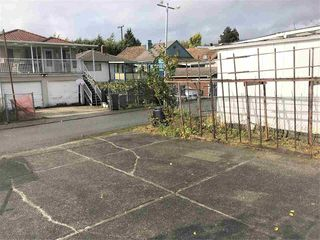 Photo 17: 4081 WELWYN Street in Vancouver: Victoria VE House for sale (Vancouver East)  : MLS®# R2414776
