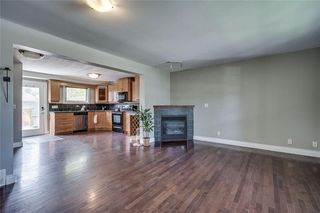 Photo 8: 2419 53 Avenue SW in Calgary: North Glenmore Park Semi Detached for sale : MLS®# C4299769