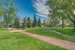 Photo 32: 2419 53 Avenue SW in Calgary: North Glenmore Park Semi Detached for sale : MLS®# C4299769