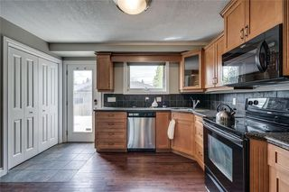 Photo 5: 2419 53 Avenue SW in Calgary: North Glenmore Park Semi Detached for sale : MLS®# C4299769