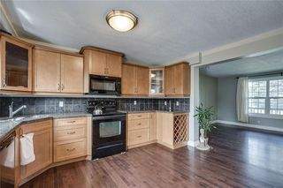 Photo 7: 2419 53 Avenue SW in Calgary: North Glenmore Park Semi Detached for sale : MLS®# C4299769