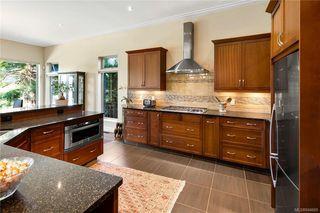 Photo 9: 900 Walking Stick Lane in Saanich: SE Cordova Bay House for sale (Saanich East)  : MLS®# 844669