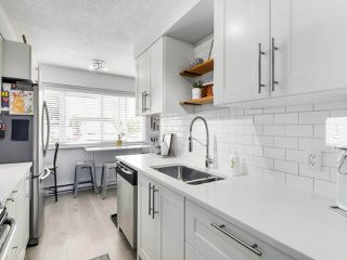 """Photo 8: 21 4949 57 Street in Delta: Hawthorne Townhouse for sale in """"OASIS"""" (Ladner)  : MLS®# R2505402"""