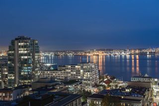 "Photo 1: 1401 120 W 2ND Street in North Vancouver: Lower Lonsdale Condo for sale in ""The Observatory"" : MLS®# R2526275"