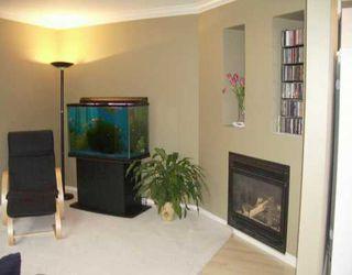 Photo 2: 427 E 36TH AV in Vancouver: Fraser VE House for sale (Vancouver East)  : MLS®# V602899