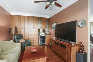 "Photo 9: 2201 3071 GLEN Drive in Coquitlam: North Coquitlam Condo for sale in ""PARC LAURANT"" : MLS®# R2443503"