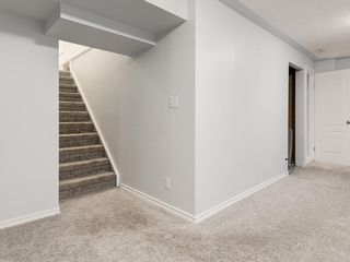 Photo 23: 32 GREENWOOD Crescent SW in Calgary: Glamorgan Detached for sale : MLS®# C4301790