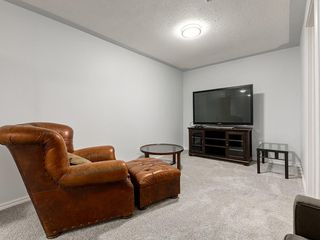 Photo 27: 32 GREENWOOD Crescent SW in Calgary: Glamorgan Detached for sale : MLS®# C4301790