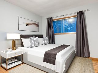 Photo 14: 32 GREENWOOD Crescent SW in Calgary: Glamorgan Detached for sale : MLS®# C4301790