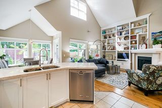 """Photo 11: 111 15500 ROSEMARY HEIGHTS Crescent in Surrey: Morgan Creek Townhouse for sale in """"CARRINGTON"""" (South Surrey White Rock)  : MLS®# R2488951"""