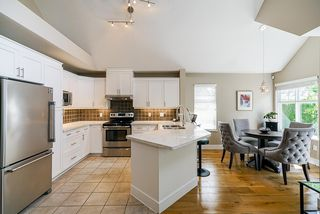 """Photo 13: 111 15500 ROSEMARY HEIGHTS Crescent in Surrey: Morgan Creek Townhouse for sale in """"CARRINGTON"""" (South Surrey White Rock)  : MLS®# R2488951"""