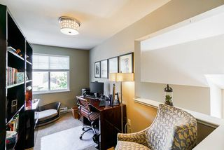 """Photo 24: 111 15500 ROSEMARY HEIGHTS Crescent in Surrey: Morgan Creek Townhouse for sale in """"CARRINGTON"""" (South Surrey White Rock)  : MLS®# R2488951"""