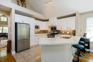 """Photo 12: 111 15500 ROSEMARY HEIGHTS Crescent in Surrey: Morgan Creek Townhouse for sale in """"CARRINGTON"""" (South Surrey White Rock)  : MLS®# R2488951"""