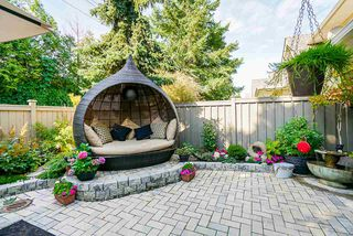 """Photo 28: 111 15500 ROSEMARY HEIGHTS Crescent in Surrey: Morgan Creek Townhouse for sale in """"CARRINGTON"""" (South Surrey White Rock)  : MLS®# R2488951"""