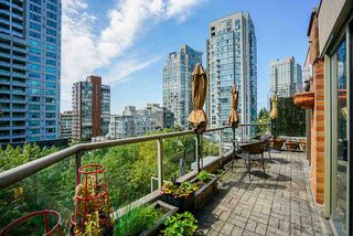 "Photo 3: 602 1488 HORNBY Street in Vancouver: Yaletown Condo for sale in ""Pacific Promenade"" (Vancouver West)  : MLS®# R2500207"