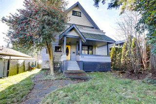 Main Photo: 323 E 24TH Street in North Vancouver: Central Lonsdale House for sale : MLS®# R2522550