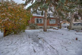 Photo 2: 834 68 Avenue SW in Calgary: Kingsland Semi Detached for sale : MLS®# A1059383