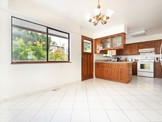 Photo 4: 4939 FRANCES Street in Burnaby: Capitol Hill BN House for sale (Burnaby North)  : MLS®# R2404530