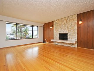 Photo 2: 4939 FRANCES Street in Burnaby: Capitol Hill BN House for sale (Burnaby North)  : MLS®# R2404530